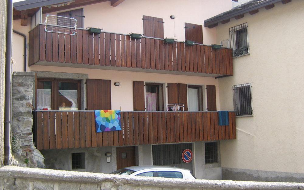 Trilocale con ampio balcone e posto auto